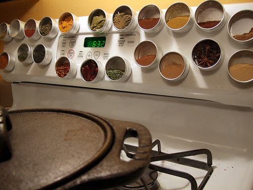 Genial Near Stove Spice Containers. Spices Storage Solution