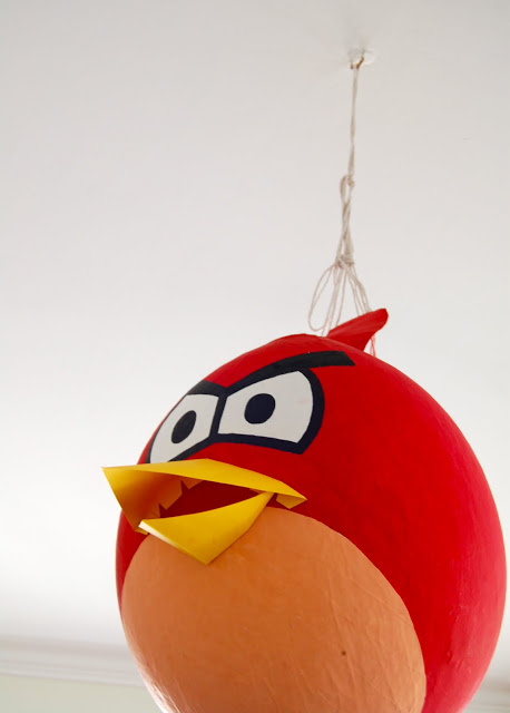angry-birds-birthday-party-theme-pinata-tutorial