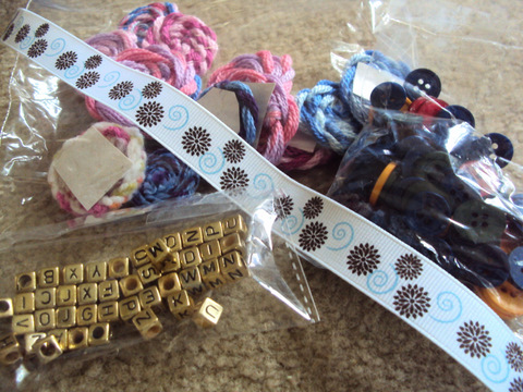 crochet-flowers-beads-ribbon-buttons