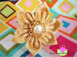 Craft Ideas Leftover Fabric on Making Flowers With Fabric   Burlap  Tutorial    Craftionary