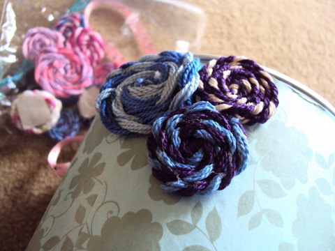 crochet-flowers-tin-cans