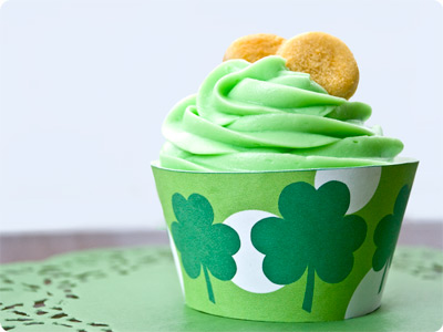 freebie-st-paddys-day-cupcake-wrappers