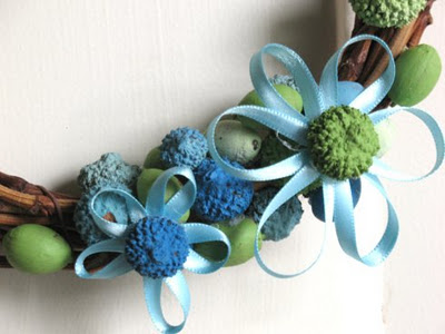 Craftionary for How to make a spring wreath from scratch